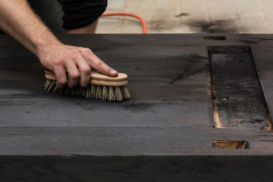 nettoyage bois brulé