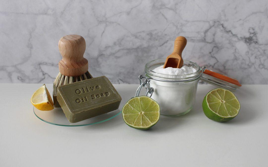 10 nettoyants entièrement naturels pour votre maison